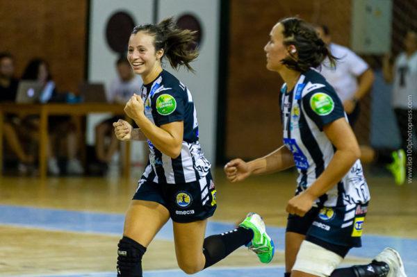 Isabelle Medeiros celebra un gol frente a Bera Bera. Temporada 2018 - 2019. Carranque. Foto de Iso100 Photo Press