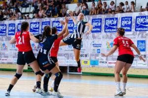 Macarena Gandulfo. Rincón Fertilidad Málaga vs Club Balonmano Morvedre. Iso100 Photo Press