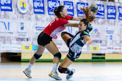 Nuria Andreu. Rincón Fertilidad Málaga vs Club Balonmano Morvedre. Iso100 Photo Press