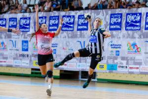 Emma Boada. Rincón Fertilidad Málaga vs Club Balonmano Morvedre. Iso100 Photo Press
