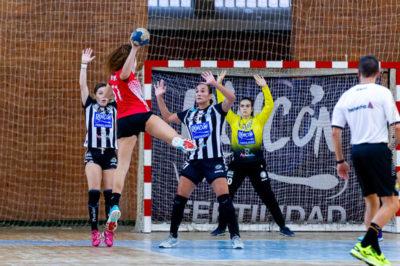 Marta López. Rincón Fertilidad Málaga vs Club Balonmano Morvedre. Iso100 Photo Press