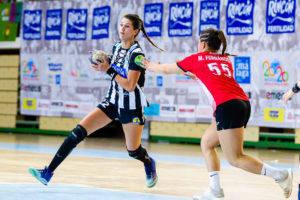Tina López. Rincón Fertilidad Málaga vs Club Balonmano Morvedre. Iso100 Photo Press