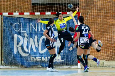 Alice Fernandes da Silva. Rincón Fertilidad Málaga vs Club Balonmano Morvedre. Iso100 Photo Press
