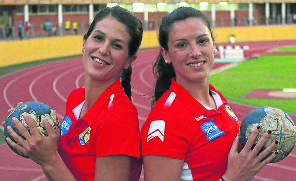 Agustina y Lara