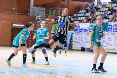 Rocio Campigli, Rincon Fertilidad Málaga vs Balonmano Zuazo, Liga Guerreras Iberdrola 2018-2019 (c) iso100photopress.com
