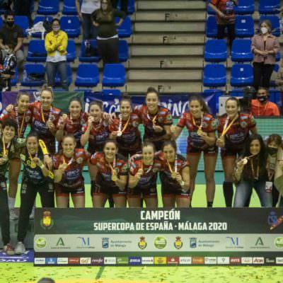 Entrega de trofeos Rincón Fertilidad Málaga Supercopa de España 2020 - 2021